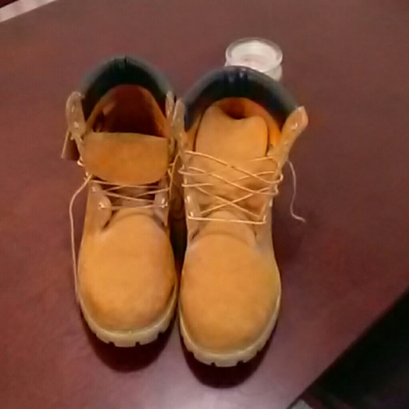 Men's used Timberlands.